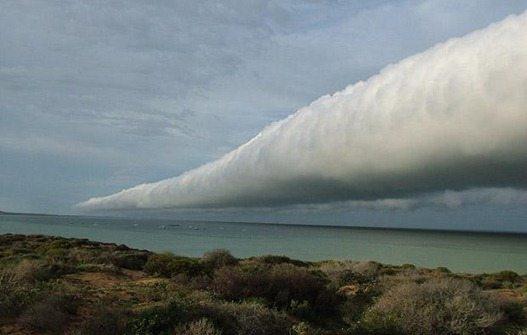 Roll-cloud_1411894i